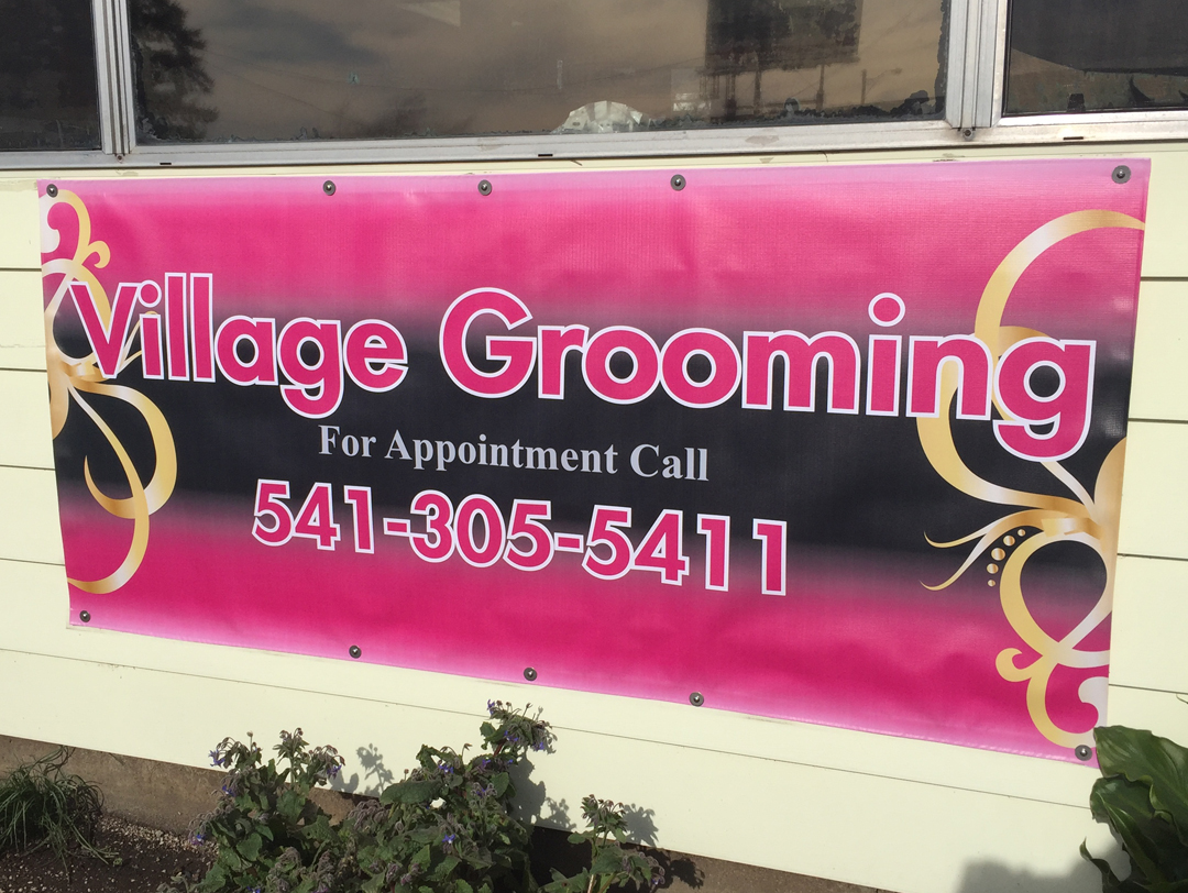 Village Grooming – Banner Sign