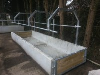 Quad troughwith gate