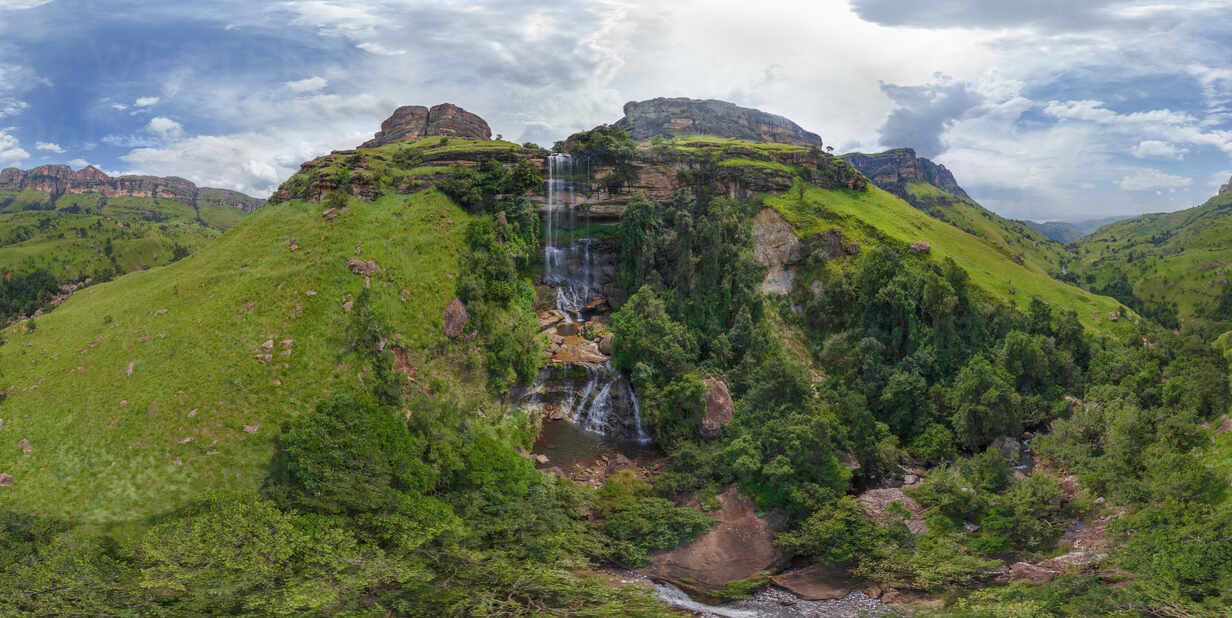 south africa is heading for winter, and before we were even ready, the first snow fell along the borders of sa and lesotho. Aerial View Of Waterfall At Drakensberg South Africa Stockfoto