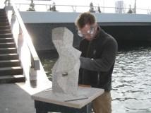 Thijs aan het werk met de Cubic Madonna