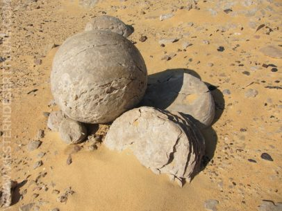 Watermelon-shaped stones in the Wadi al-Battikh