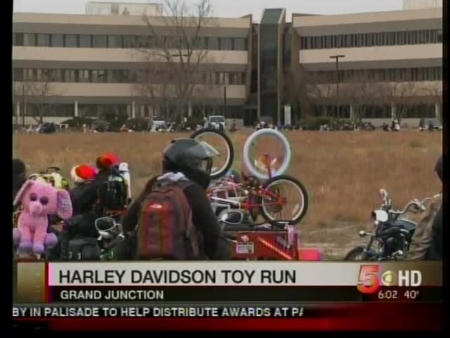 Harley Davidson Toy Run_-9035770761636133153