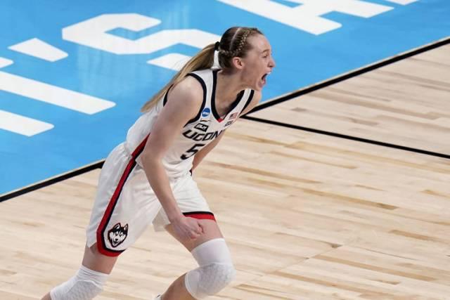 Bueckers, UConn beat Clark, Iowa in women's Sweet 16