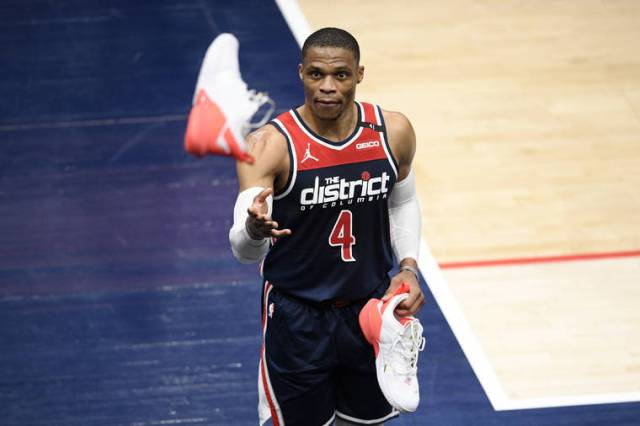 76ers wrap up Eastern title, Wizards clinch play-in spot