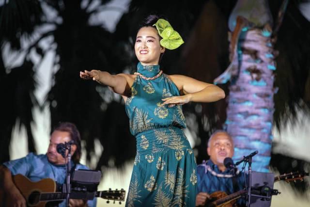 Weldon Kekauoha's dreamy concert under the stars