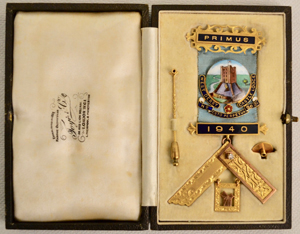 The first past master's jewel of West Derby Castle Lodge.