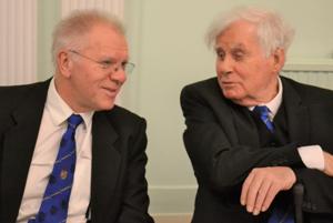 Derek Parkinson (left) in deep conversation with Alec Gerrard