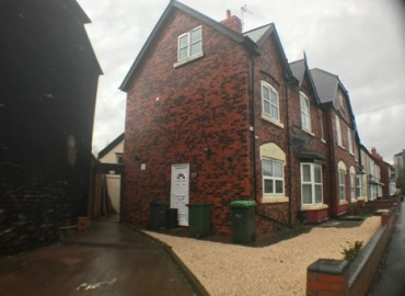 large property to rent in smethwick