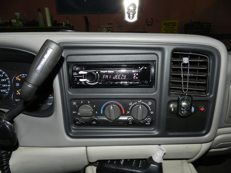 2001 Suburban Audio Upgrade Adds New Technology