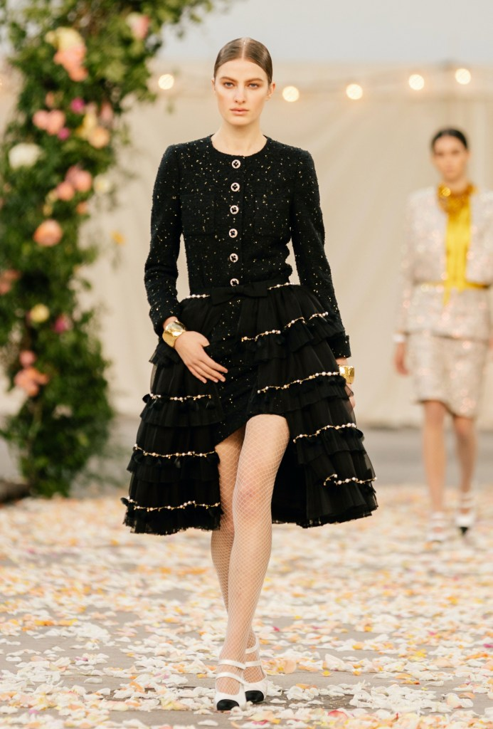 Chanel look 4 from the Haute Couture Spring-Summer 2021 collection