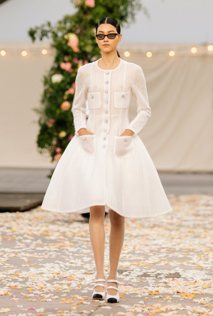 chanel look 19 from the Haute Couture Spring-Summer 2021 collection
