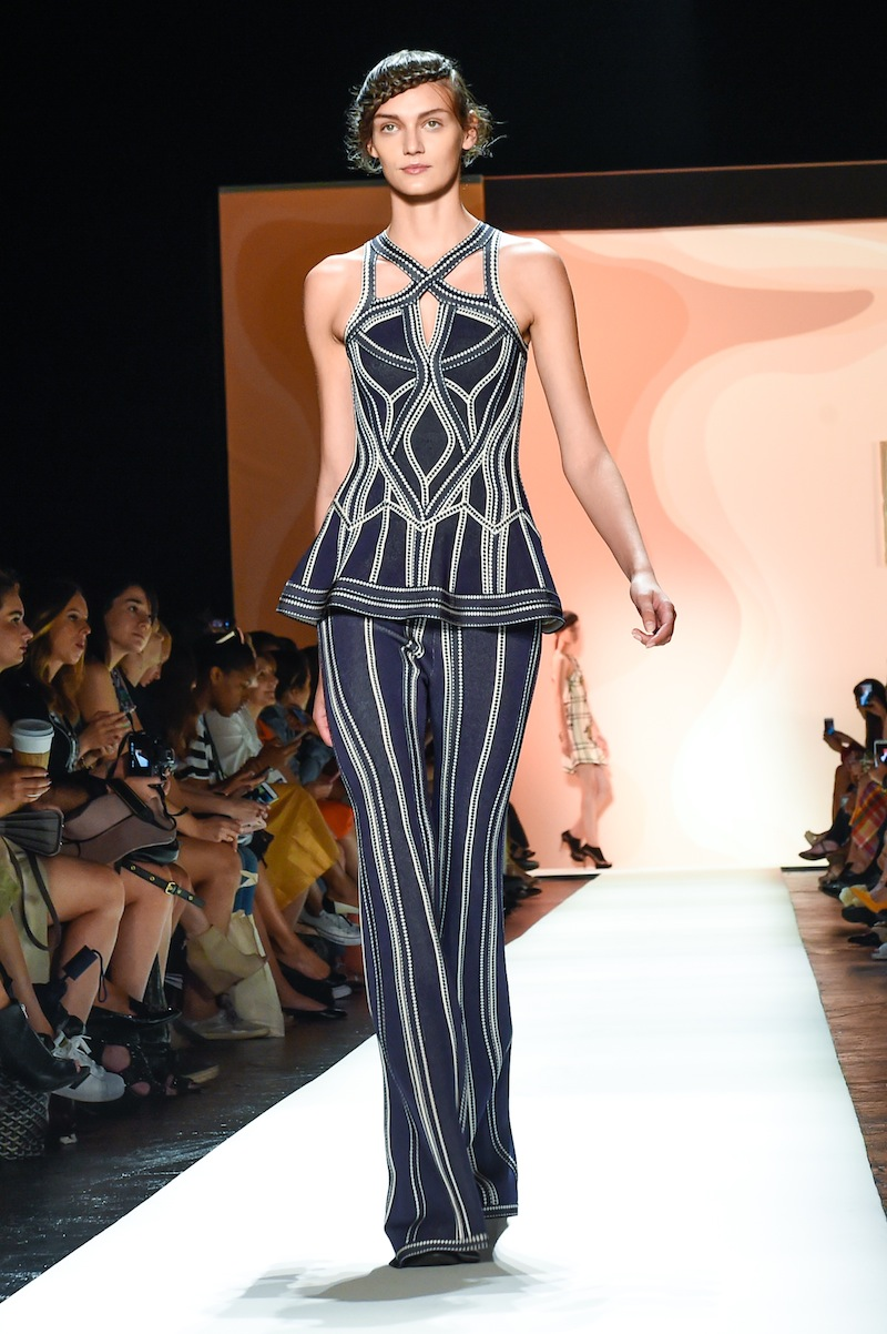 HERVE LEGER BY MAX AZRIA: Spring 2016 Runway Show