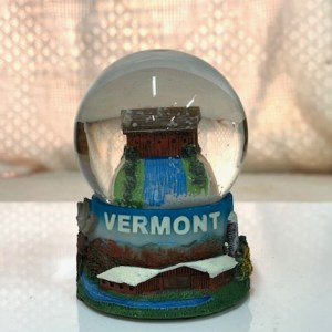 Covered Bridge Snowglobe