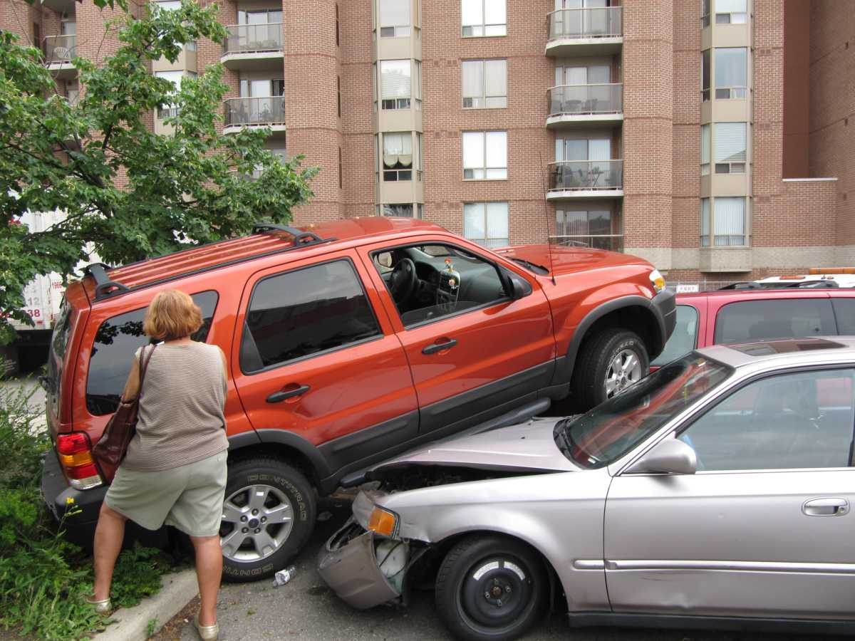 Car Crash Rd St And Blanding Blvd  November