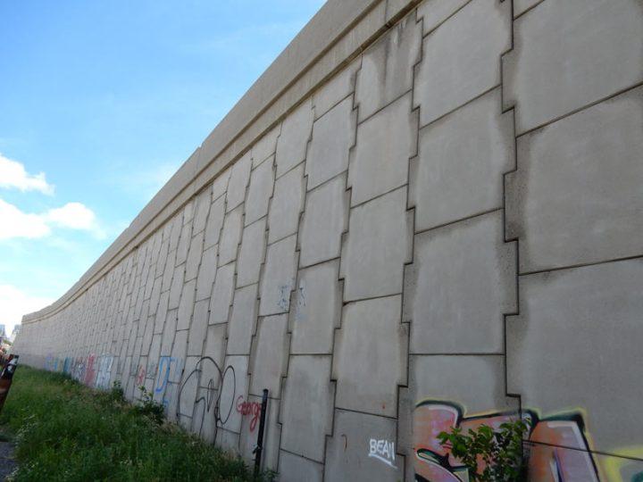 DSCN1772-Wall