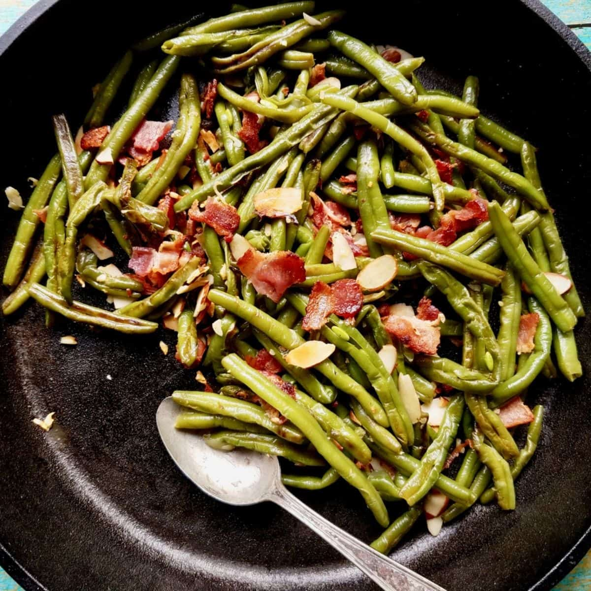 Sautéed Frozen Green Beans with Bacon and Almonds