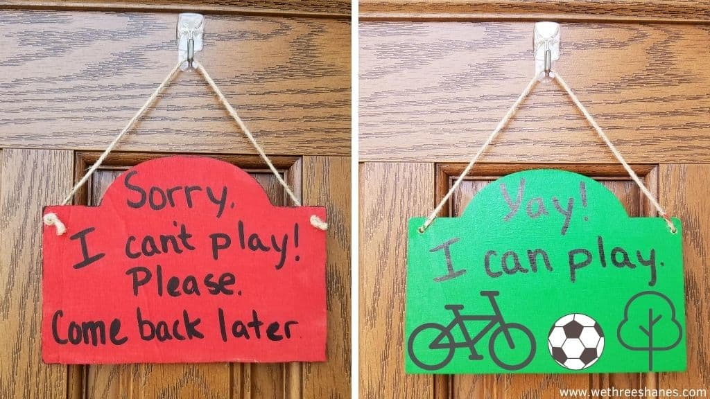 Let the neighborhood kids know when it's time to play with this DIY We Can/Can't Play sign for your front door. No more early weekend morning doorbells or remote learning interruptions! | We Three Shanes