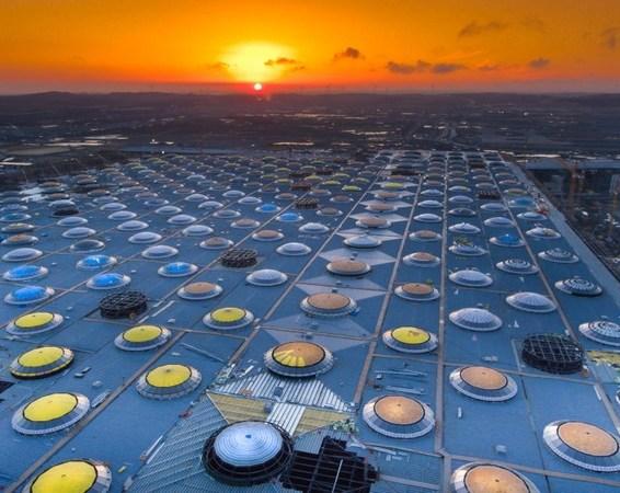 ISTANBUL AIRPORT vista del tetto del terminal