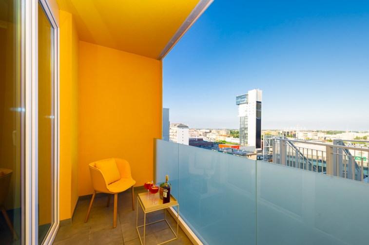 Staycity Mestre - Vista dal balcone di una delle camere che affacciano verso Via Torino e Venezia, in primo piano l'Hybrid Tower
