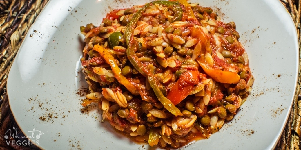 Tunisian Orzo With Bell Pepper & Lentils