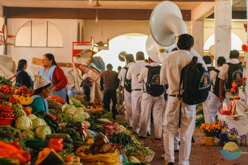 Sucre market, band playing