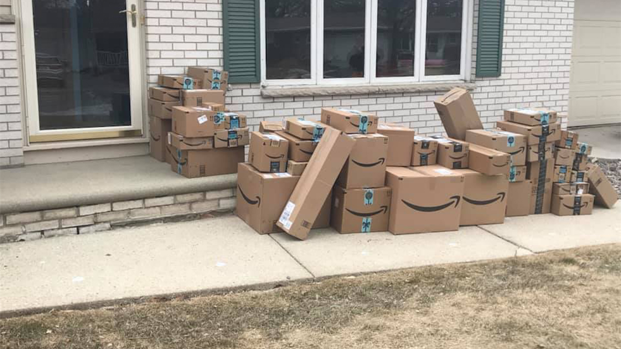 Wisconsin April Fools Day Prank >> Woman Saves Amazon Boxes For Months To Pull Off Epic April Fool S
