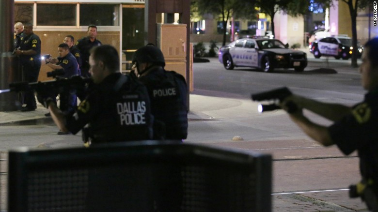 dallas shooting_1467954545830.jpg