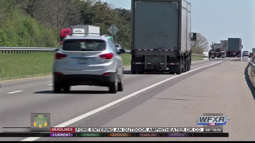 House bill would raise fine for driving slower in left lane_13591749