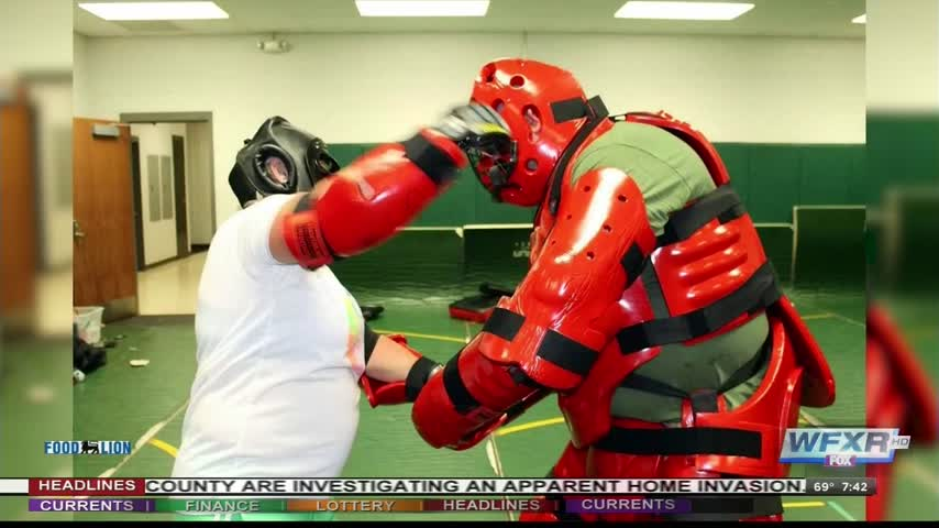 Roanoke County Sheriff-s Office offering self defense course_73244419