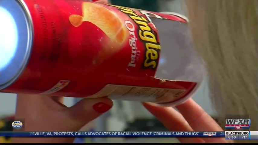 Life Hacks- Using a Pringles can to view the Solar Eclipse_39372742