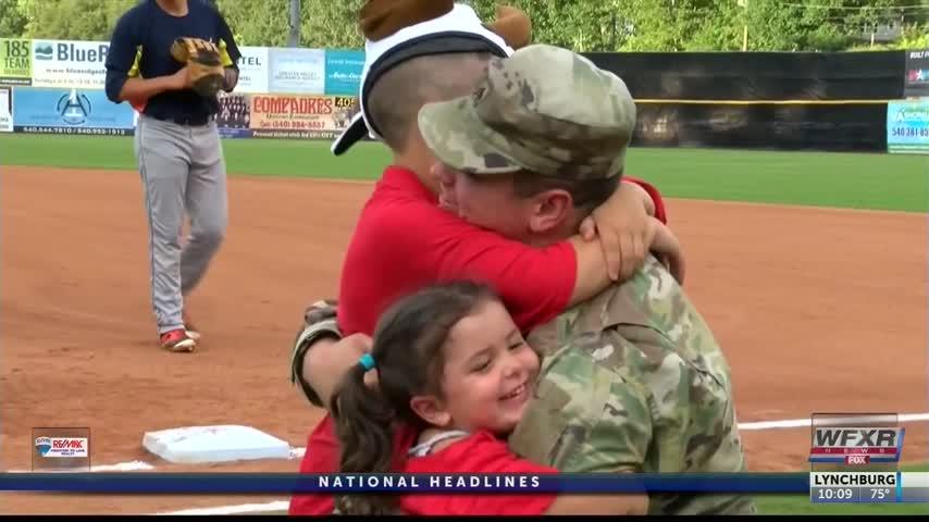 Soldier surprises kids at Pulaski Yankees game_28682155