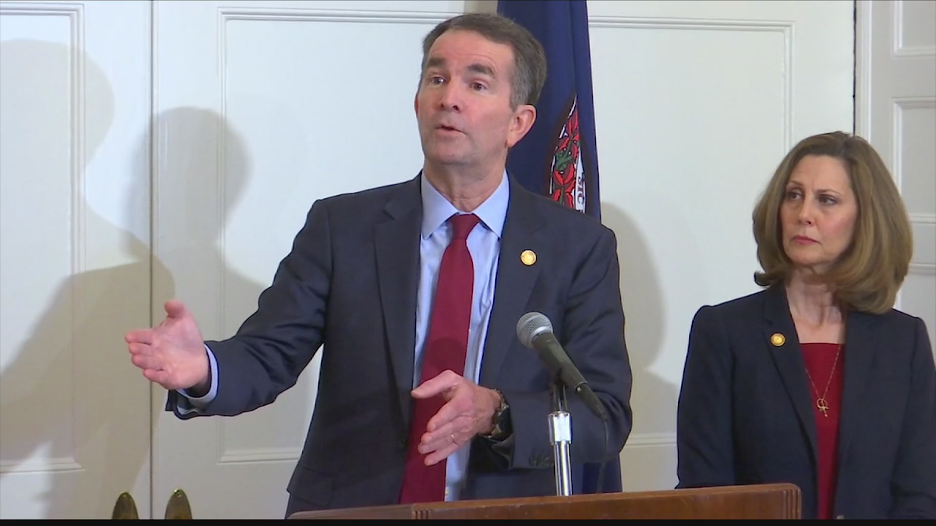 Growing_calls_for_Governor_Northam_to_re_0_20190203042545