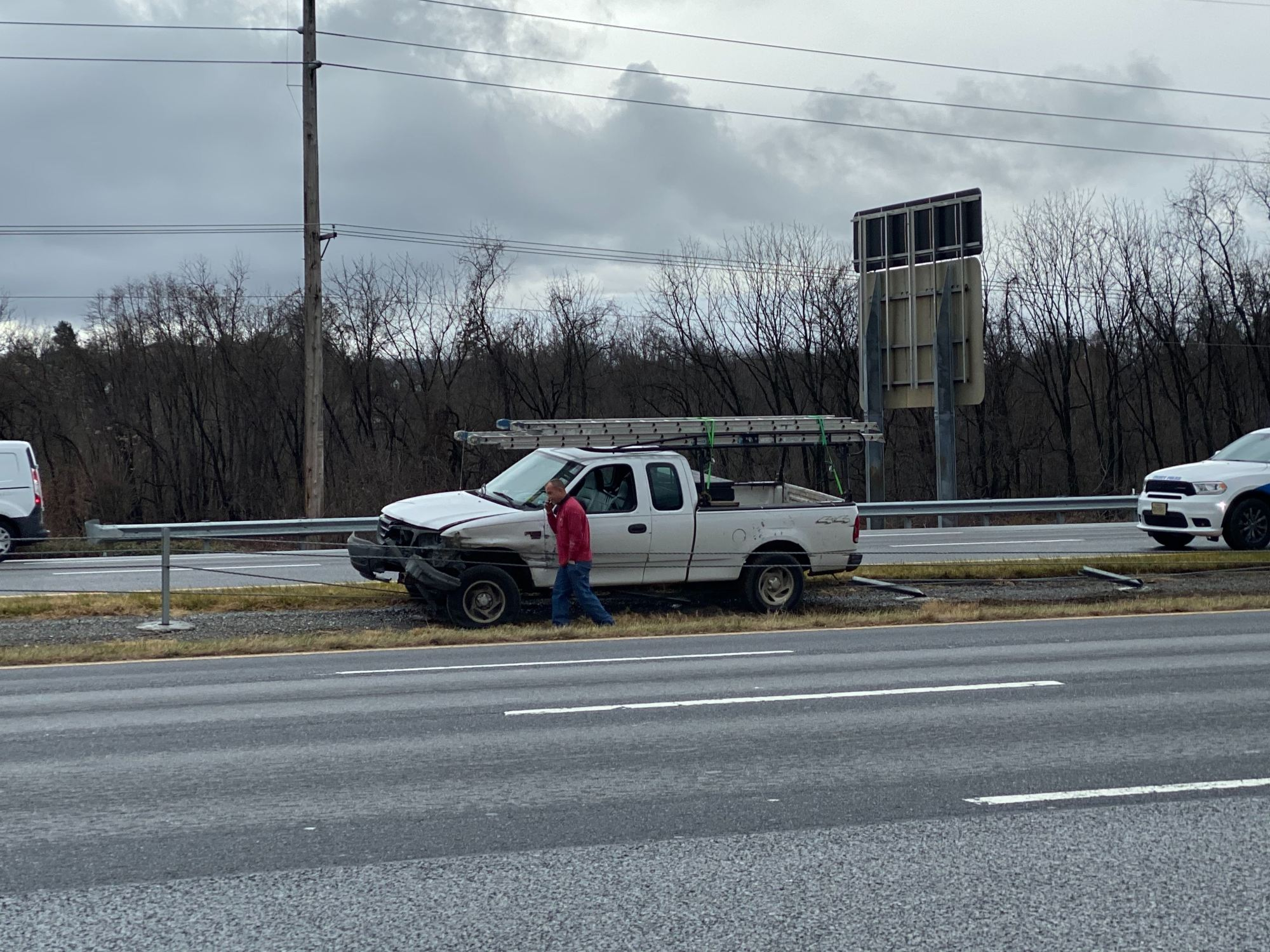 This truck was northbound on Interstate 581 near Valley View in Roanoke when it entered the median and hit cable barriers installed to prevent head-on collisions. (Photo: Ryan Saylor/WFXR News)