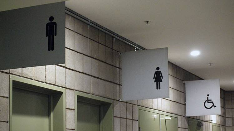 white house releases guidance on transgender bathroom use