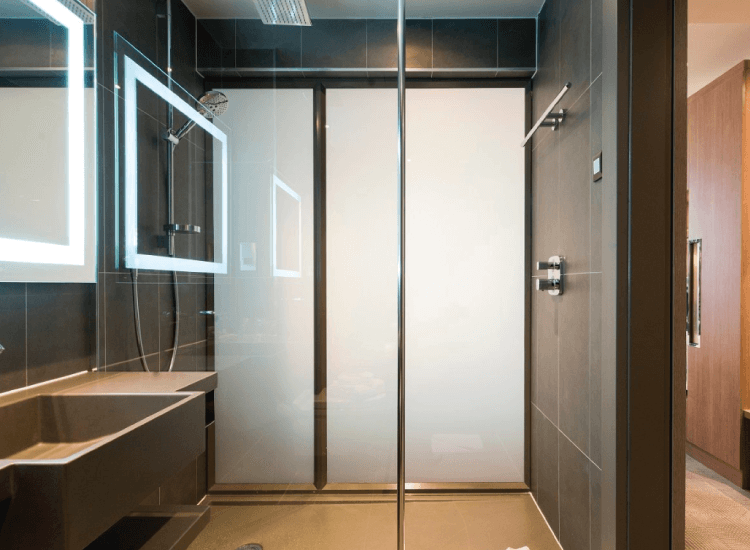 Does switchable glass shower door save energy consumption cost?