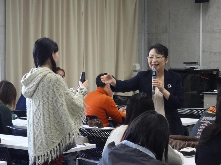 4年生教職課程特別授業_DSC04202