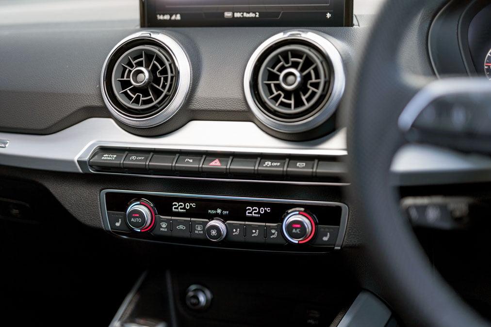 Audi Q2 35 TFSI S line