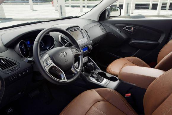2015 Hyundai Tucson interior