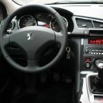 Peugeot 3008 Vs Nissan Qashqai