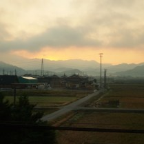 train-back-to-tokyo-at-sunrise_4109371493_o