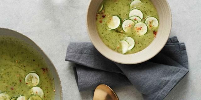 gwyneth-paltrow-its-all-easy-zucchini-leek-soup