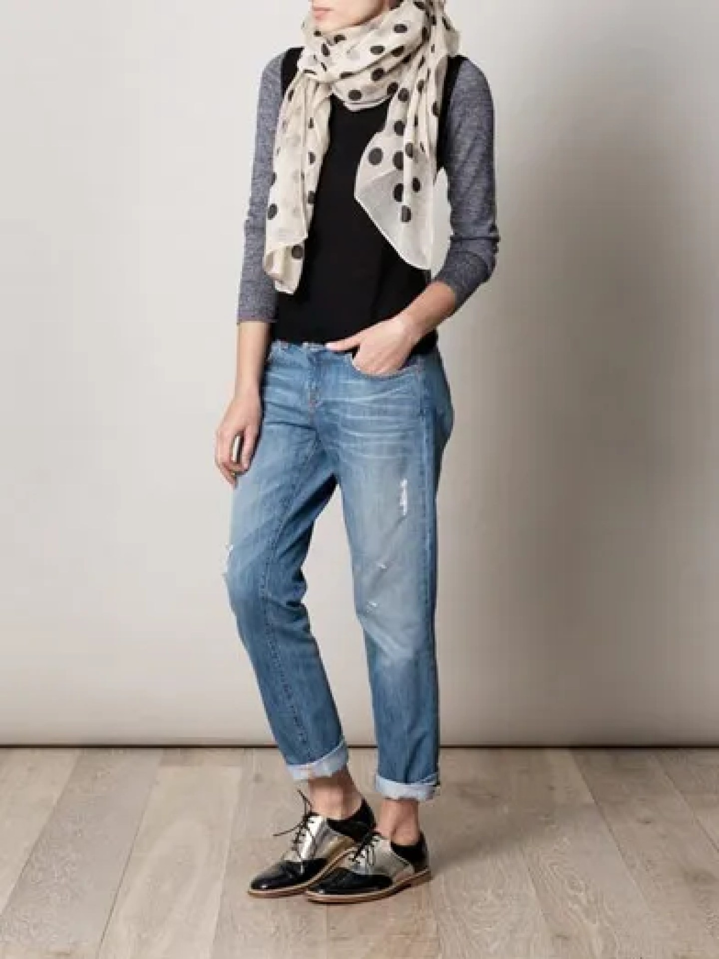 what-lizzy-loves-how-to-style-brogues-boyfriend-ripped-jeans-scarf
