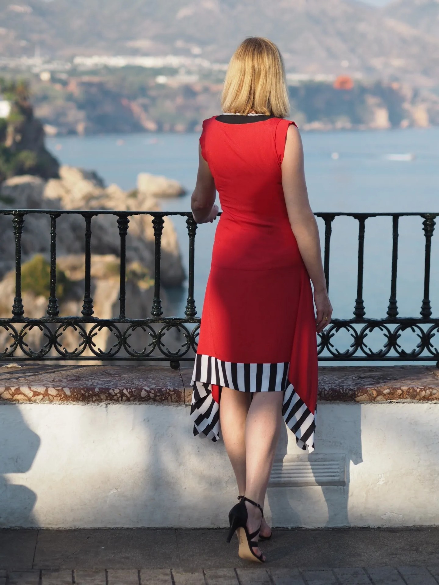 what-lizzy-loves-red'lagom-allegra-dress-back-view
