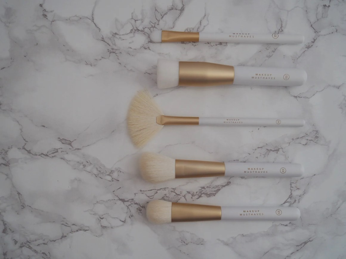 what lizzy loves makeup routine over 40 brushes