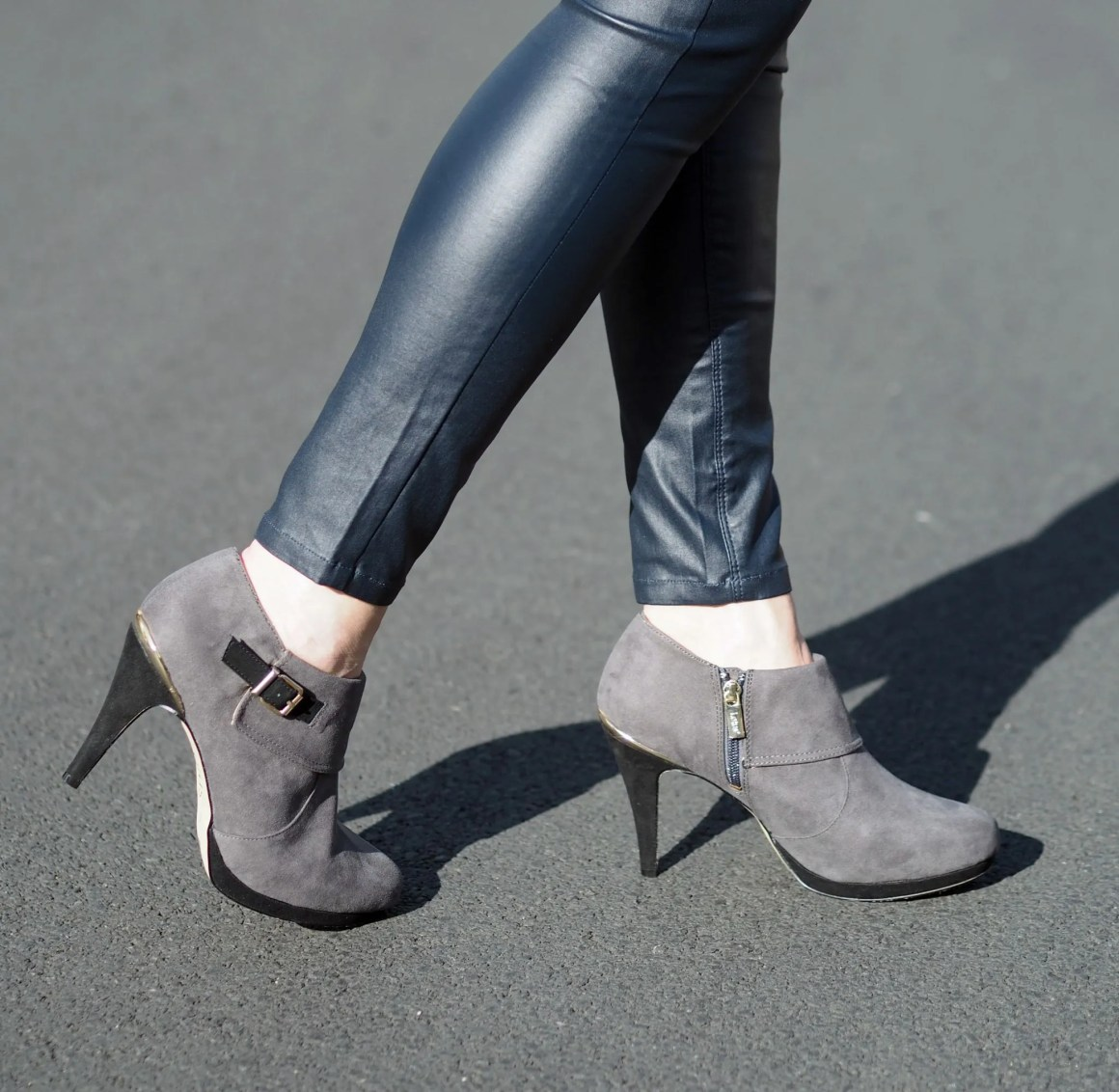 what-lizzy-loves-coated-skinnies-leggings-high-heeled-ankle-boots-vollmer-lotus-grey