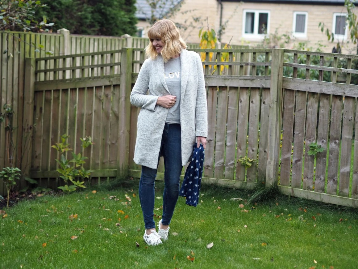 what lizzy loves autumn outfit grey coatigan star trainers scarf