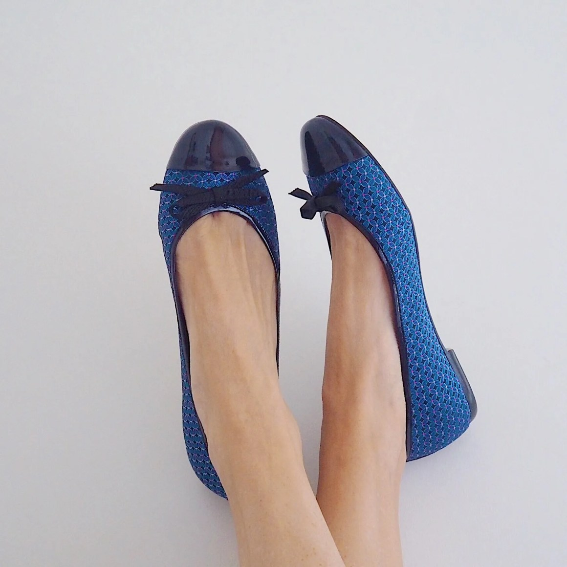 What Lizzy LOves Chrostmas gift guide shoes
