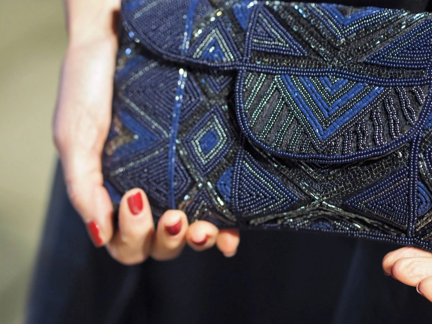 what-lizzy-loves-blue-black-beaded-clutch