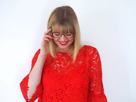 what-lizzy-loves-how-to-choose-coloured-spectacle frames-red