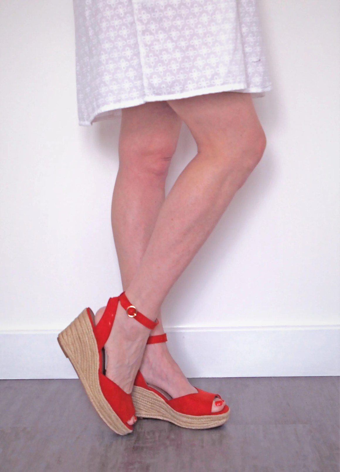 what lizzy loves red holiday wardrobe espadrilles